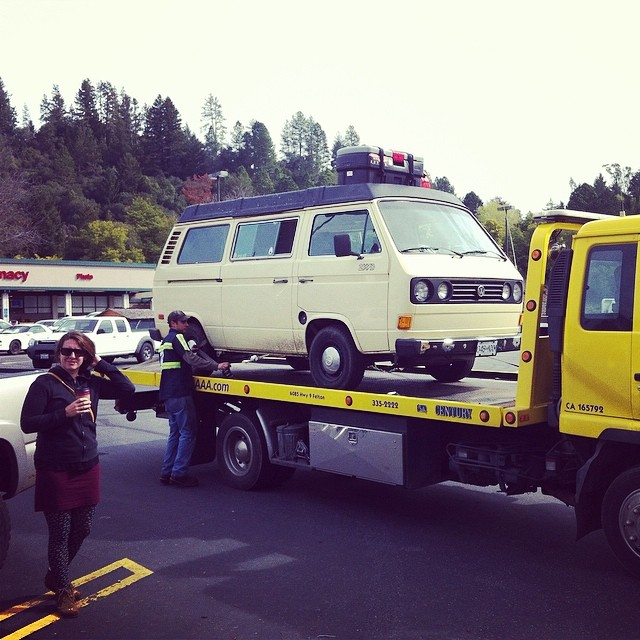 This was cool… I got to drive #Clementine up the back. #vw #westfalia #westy #vanlife #tigermoon #playforyoursuppertour