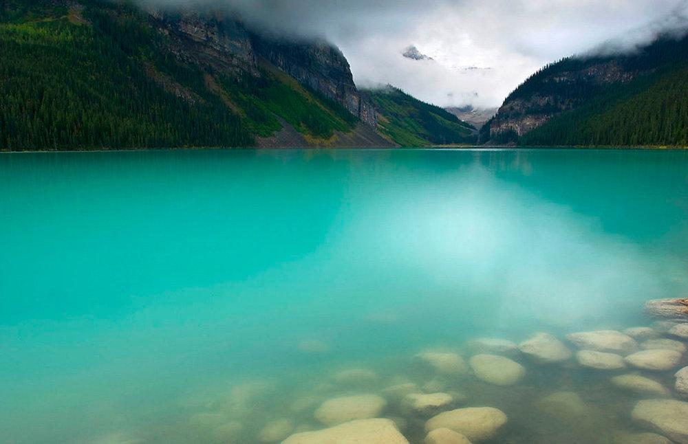 lake_louis.jpg