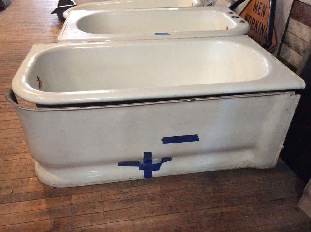 """Claw foot """"J"""" Tub with Sides"""