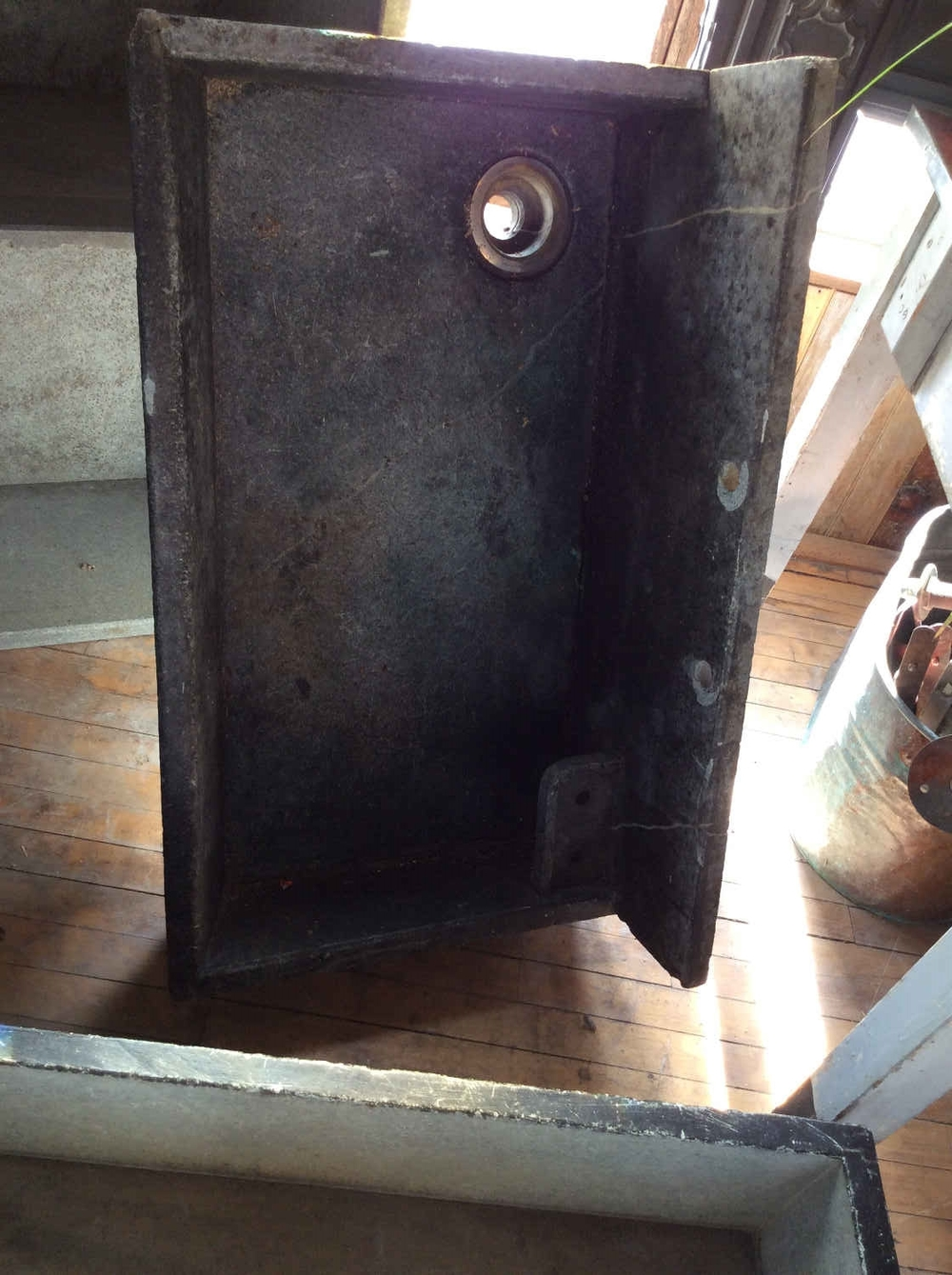 Antique Soapstone Sink w/Backsplash