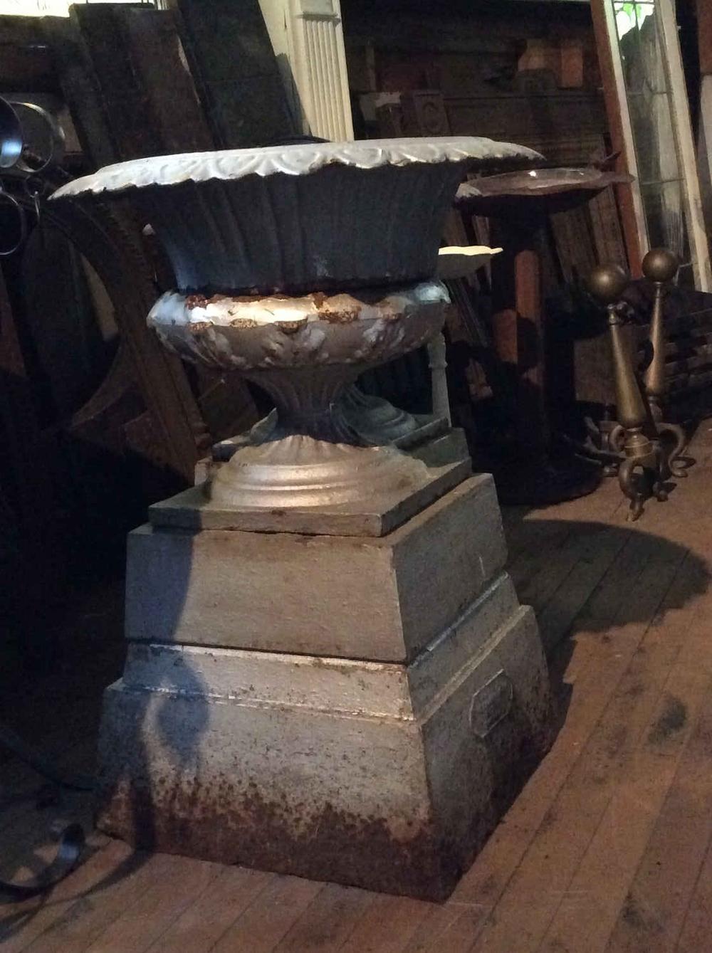 Single Antique Cast Iron 3-Part Planter