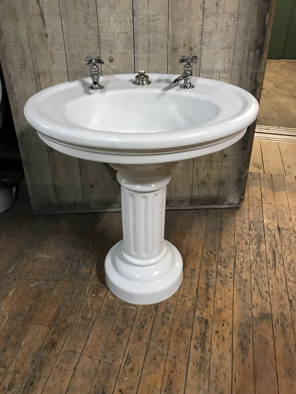 Antique vitreous China pedestal sink