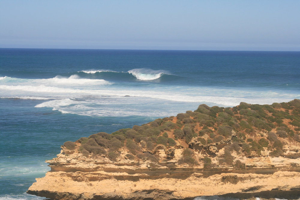 great ocean road rocks waves