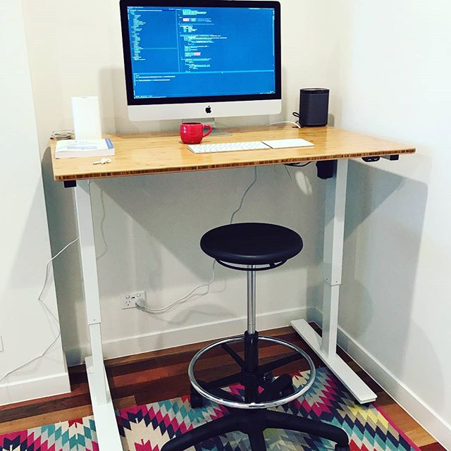 Stand up home office set up designed to keep you moving - thank you to our awesome customers for sending in your pics! #readysetstand #standingdesks #bamboodesks #sitlessmovemore #homeoffice