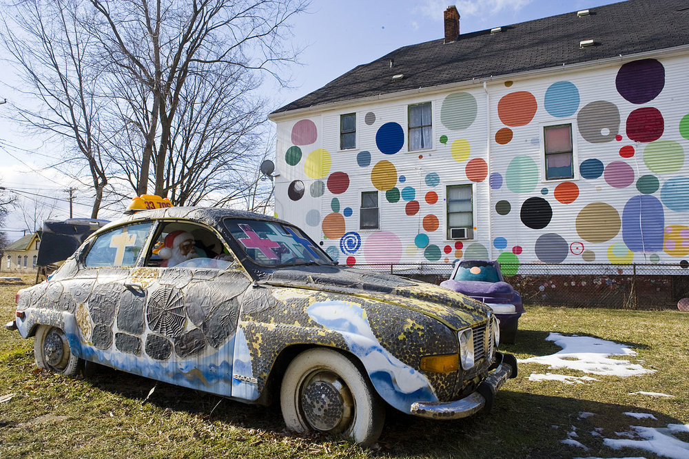 Image from the Heidelberg Project by David Yarnall via Wikimedia Commons