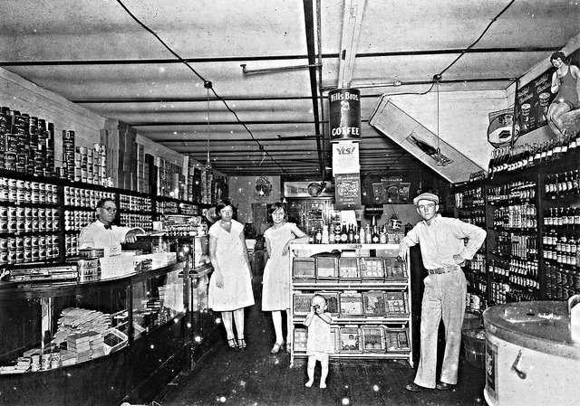Grocery store circa 1920 via Janice Waltzer @ Flickr