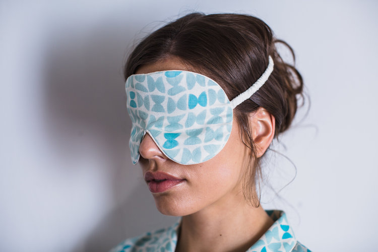 Varanasi-blue-silk-eye-mask-for-sleep.jpg