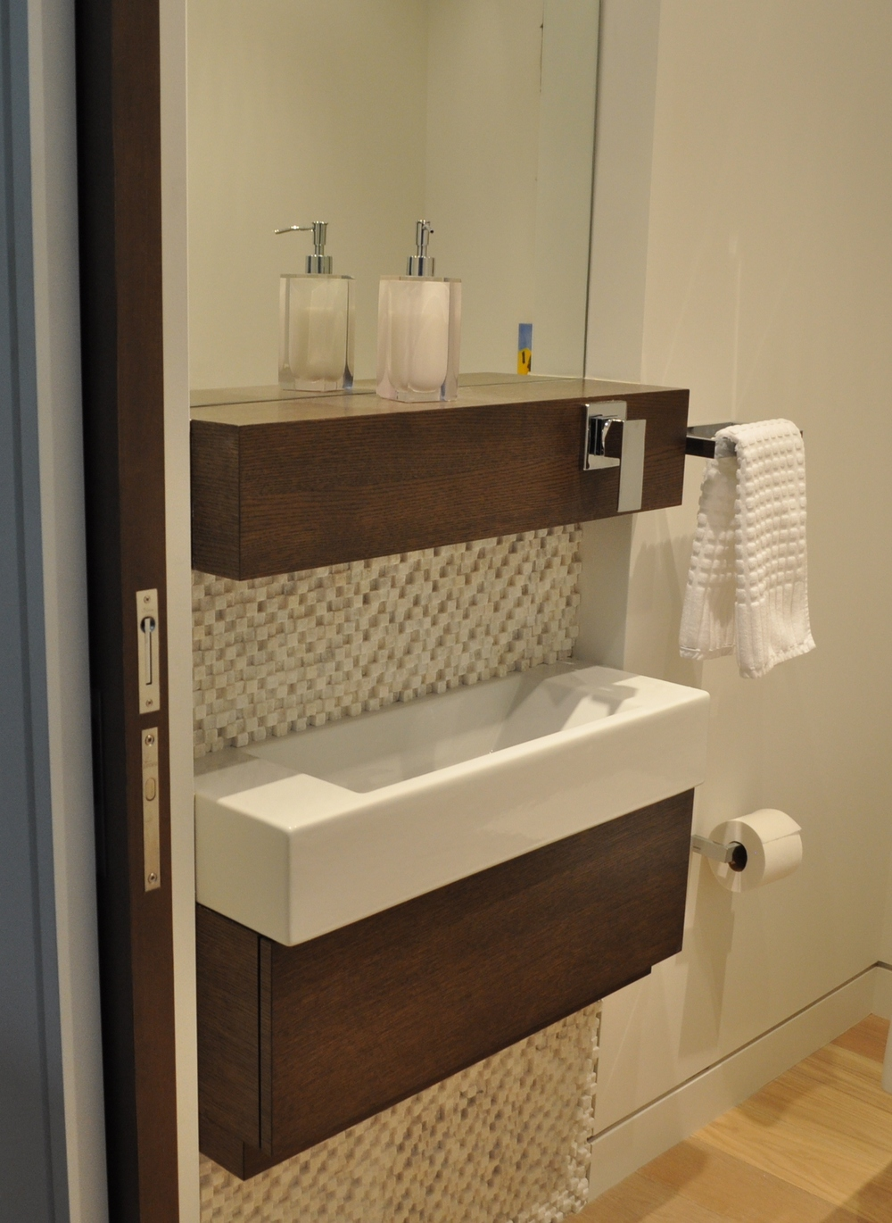 white-oak-custom-wood-modern-bath-vanity-millwork.jpg.JPG