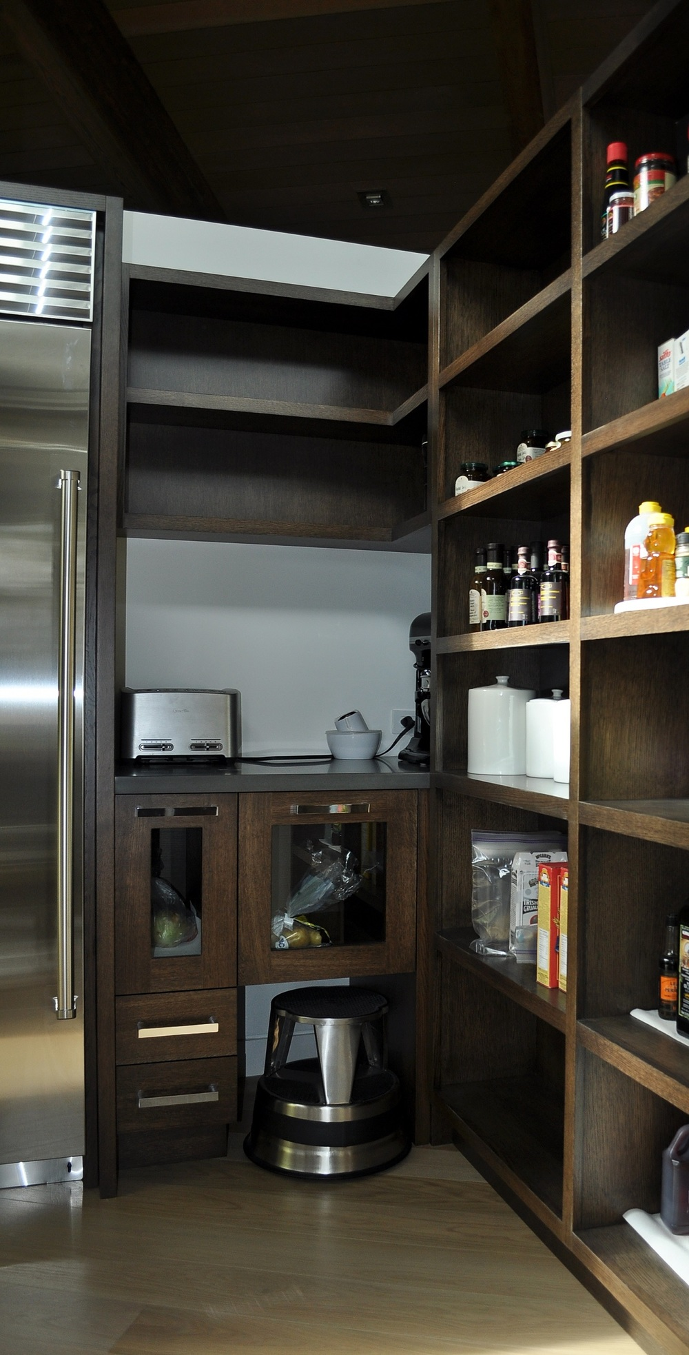 contemporary-wood-pantry-cabinetry.JPG