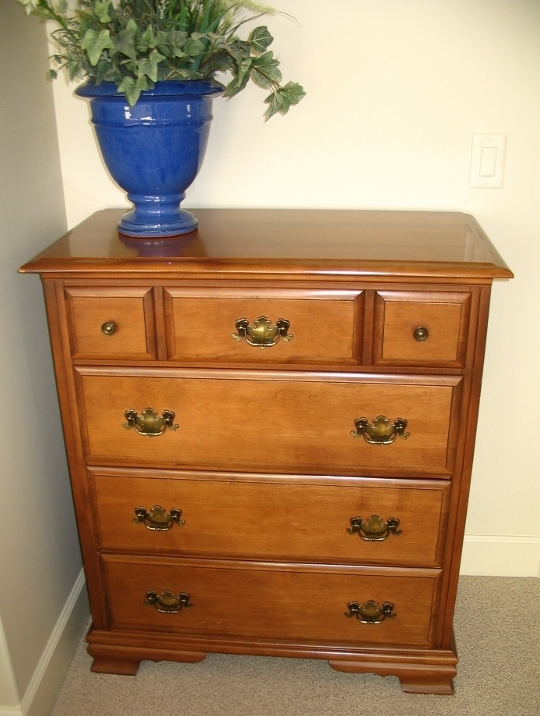 traditional-style-wood-chest-of-drawers-dresser.jpg