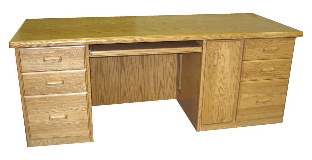traditional-style-oak-office-desk.JPG