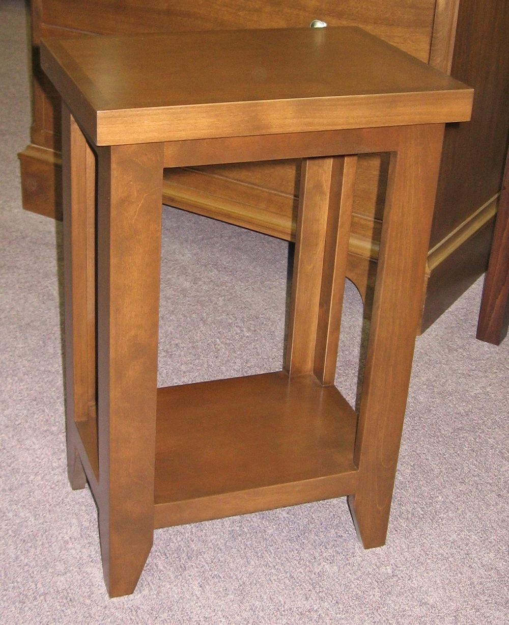 arts-and-crafts-style-accent-table.JPG