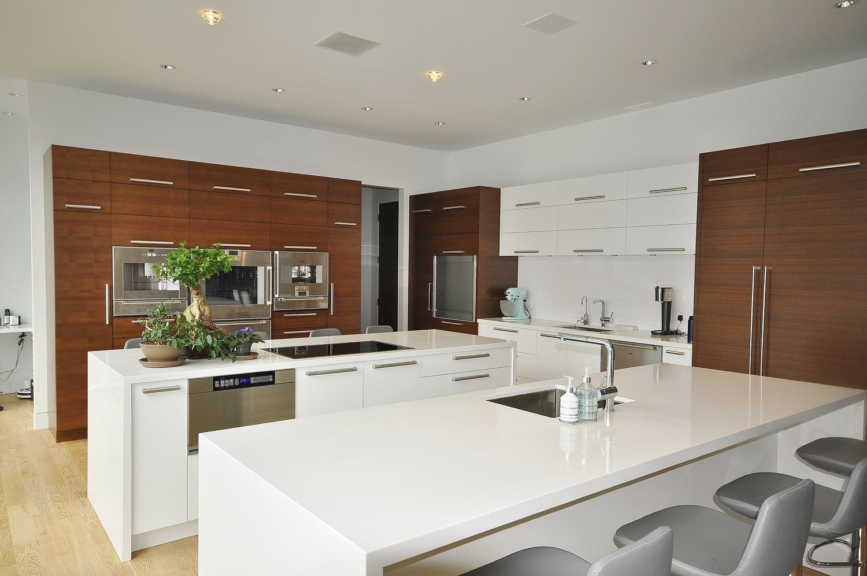 Modern Walnut High Gloss White Kitchen CabinetryJPG