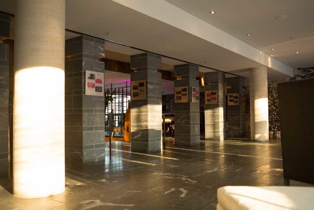 Hotel-10-Montreal-Stenberg-Lobby.jpg