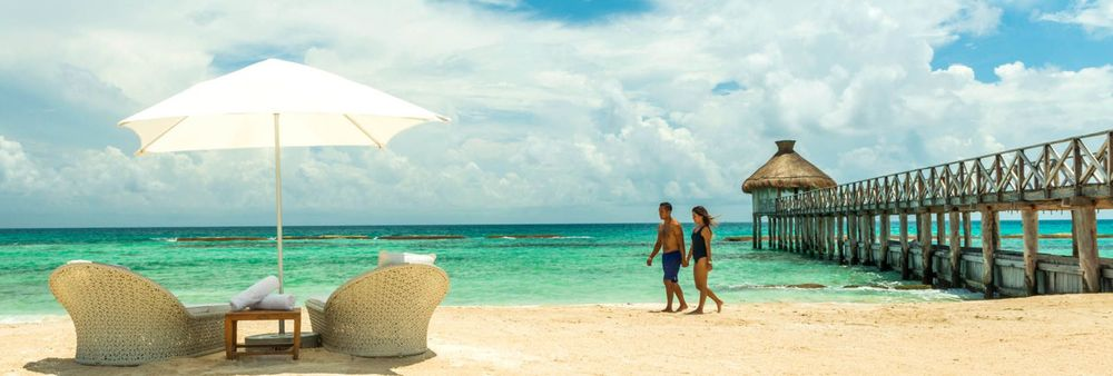 Riviera May Beach - It's just a 30 minute drive from Cancun International Airport