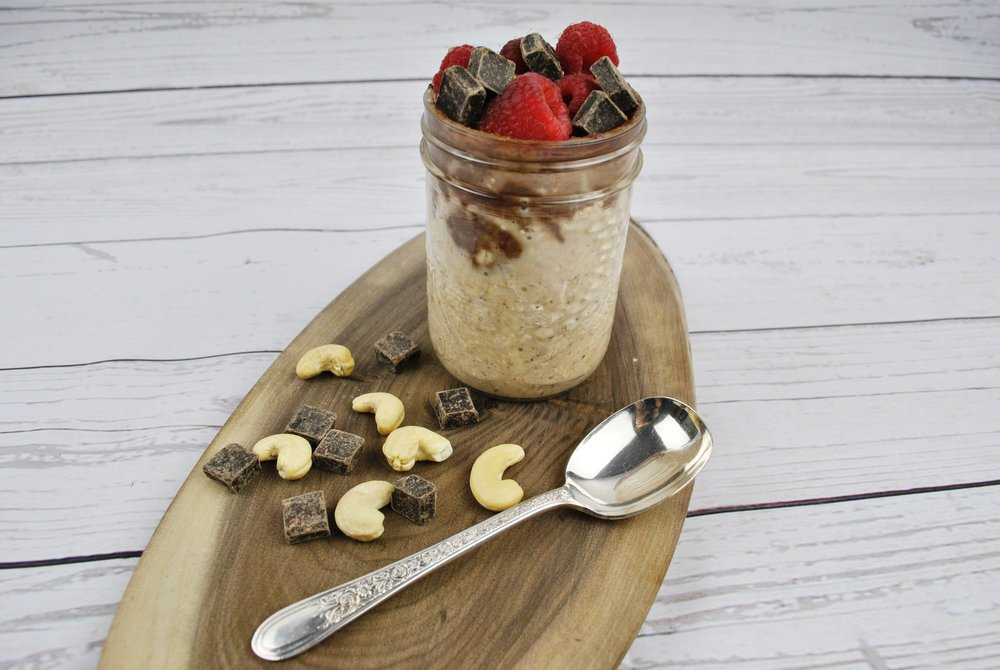Cinnamon Overnight Oats with Chocolate Cashew Cream