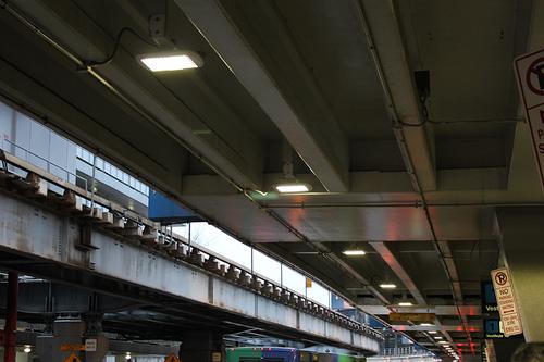 Luminaria para puentes vehiculares, luminaria para espacios peatonales