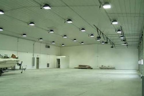 Luminaria para bodegas de almacenaje, luminaria para espacios cerrados