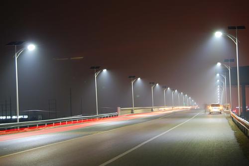 SNA México tiene todas las luminarias para carreteras y caminos federales. www.snamexico.com