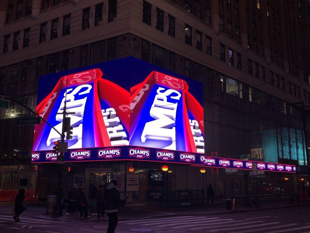 10 Times Square (1441 Broadway)