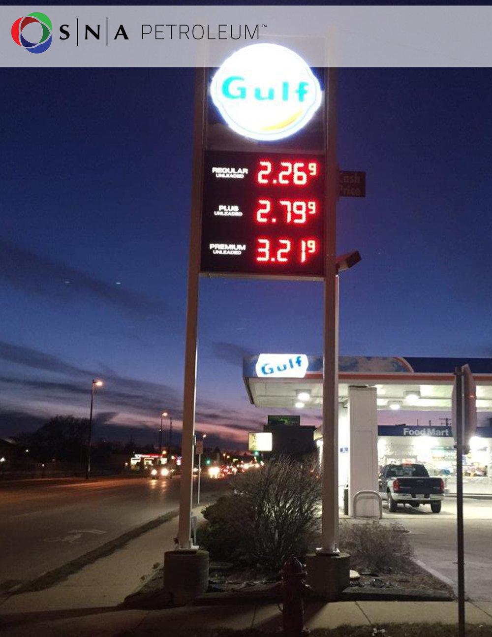Numeradores LED SANSI para estaciones de gasolina en Latinoamérica