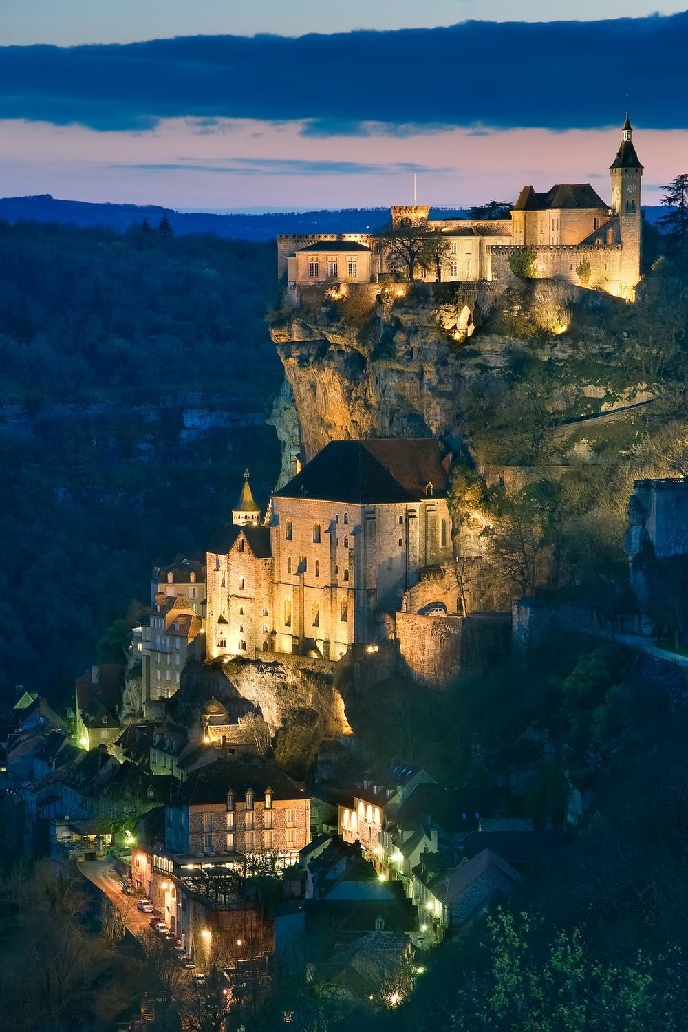 Dordogne - Rocamadour_by_night_lot.jpg