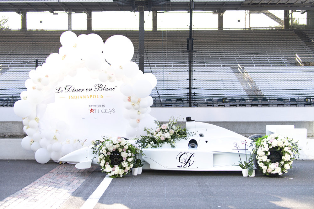 The Indianapolis Motor Speedway Welcomes Diner en Blanc for it's inaugural appearance in Indy!