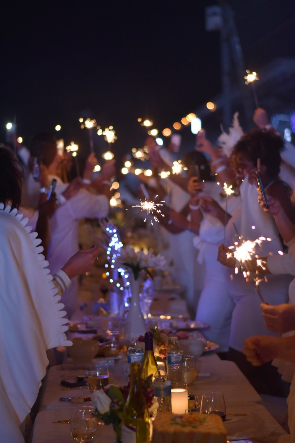 Sparklers at Diner en Blanc to open the dance floor!