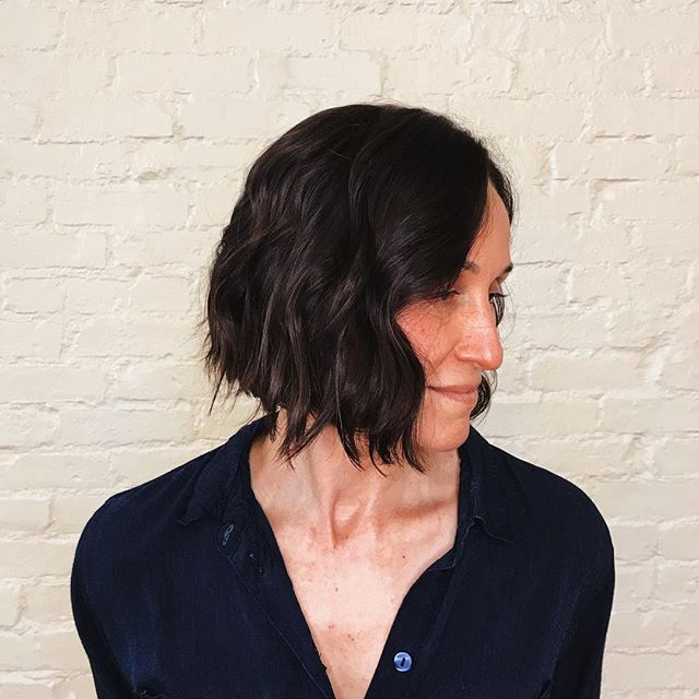 Ahhh you know we love a chop! Natasha cut a bob on her long time time client yesterday and, well, we're living for it. 🤷🏻♀️😍