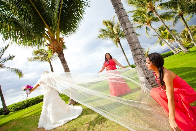 Lanikuhonua Weddings on the West side of Oahu in Hawaii.