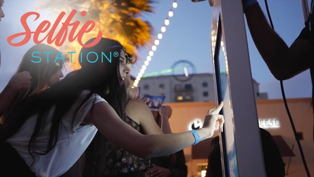 Try Hawaii's first Selfie Station, the boothless photo booth! For your next wedding or event in Hawaii, book the Selfie Station!