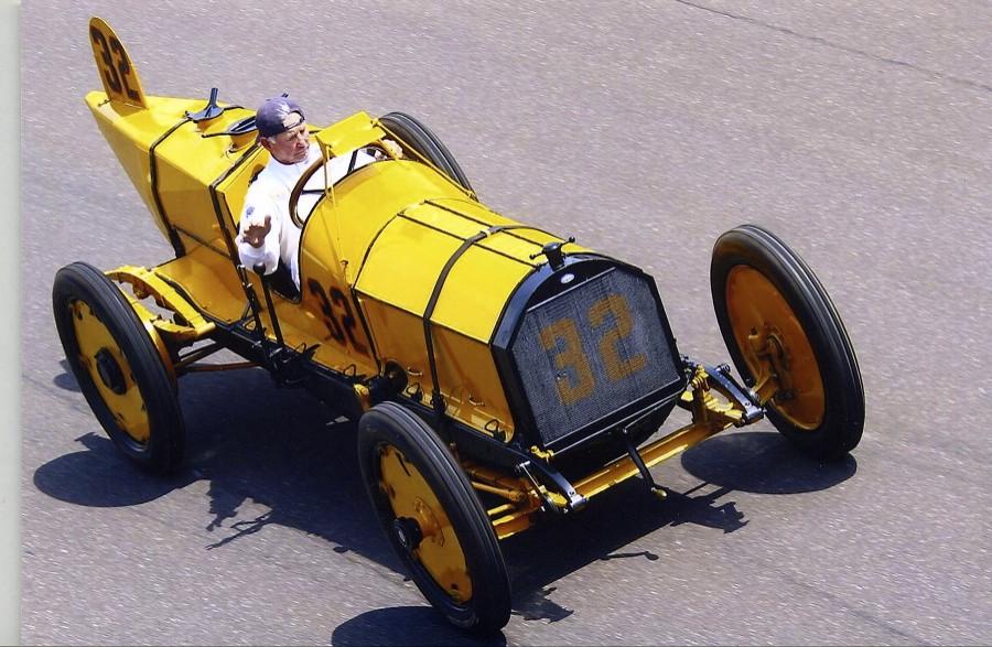 Parnelli driving Marmom Wasp.jpg