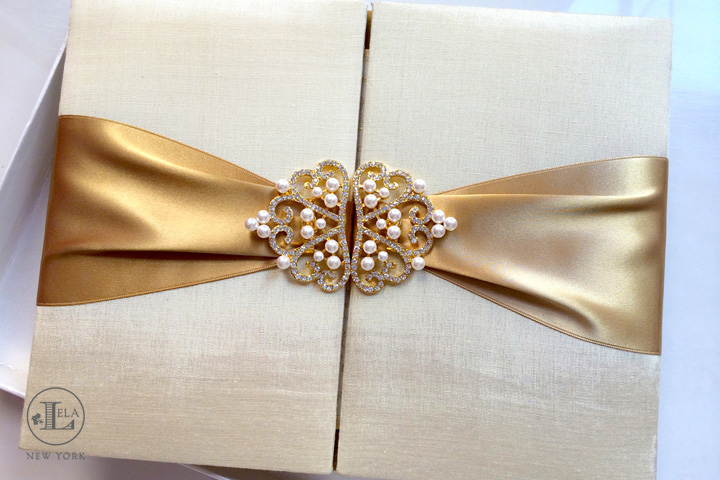 Gold Pearl Invitation | Mercedes & Renato