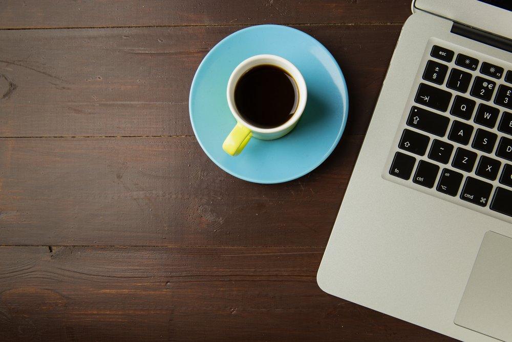 apple-device-beverage-black-coffee-551993.jpg