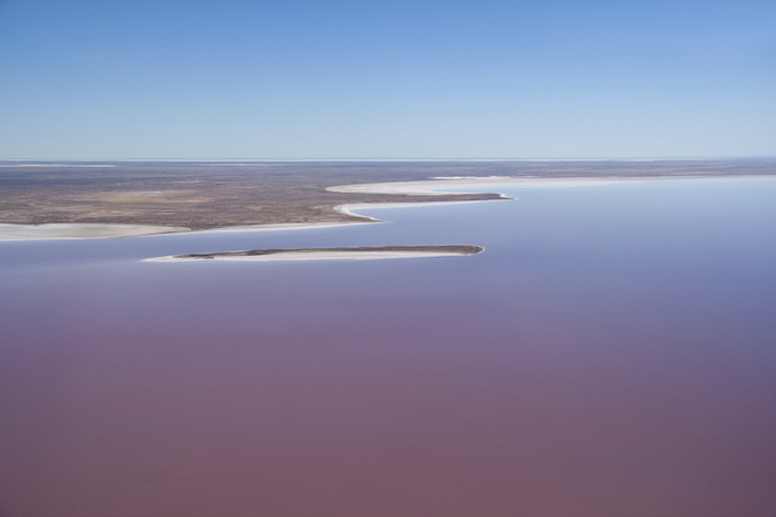 Lake Eyre with water ©iStock