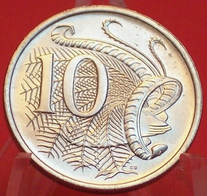 The superb lyrebird is on one side of the Australian 10c coin. ©Getty Images