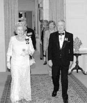 This is Queen Elizabeth 2nd with Sir William Deane, who was Governor-General of Australia when the photo was taken. He was Governor-General from 1996 to 2001.