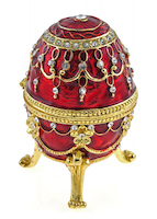 A jewelled Easter egg made by a French jeweller called Fabergé. ©iStock