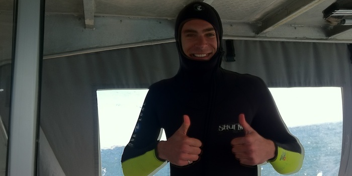 Thumbs up for couchsurfing connection