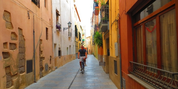 Riding along the streets of Castelló d'Empúries