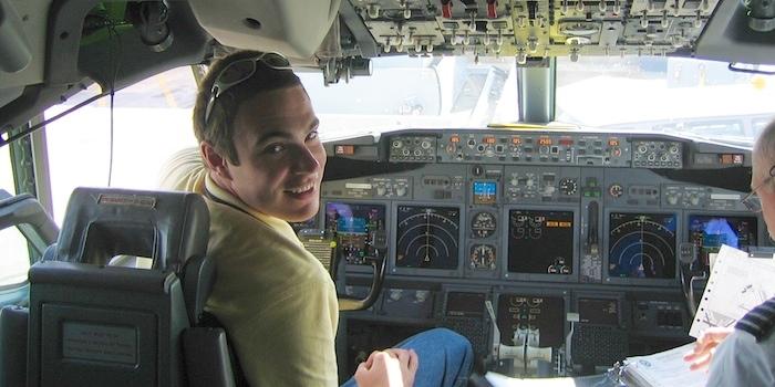 BBJ flight deck