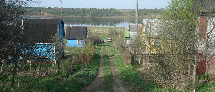 Dachas on Volga river