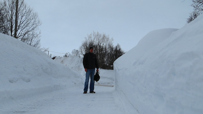 I have not seen many piles of snow taller than me. Here it was a normal with piles being much higher.