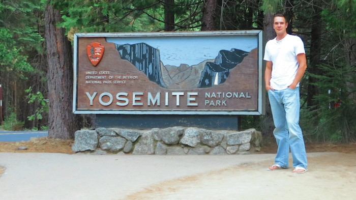 Made it to the yosemite entrance!