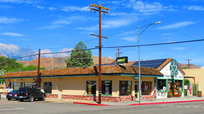Breakfast at Lone Star Bistro, lunch at Subway in Lone Pine