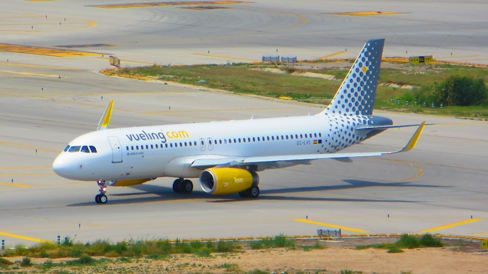 Vueling A320 with winglets