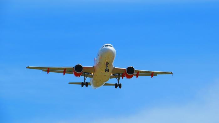 EasyJet A319 landing