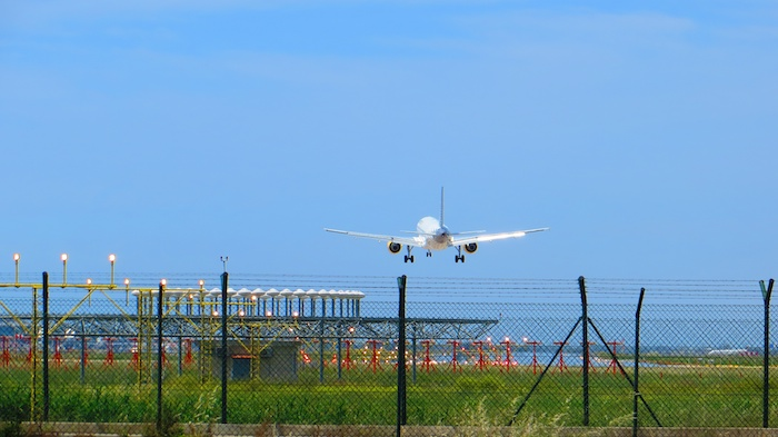 Vueling A320 about to touch down