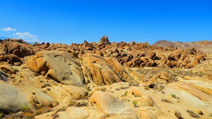 Hiking around Alabama Hills
