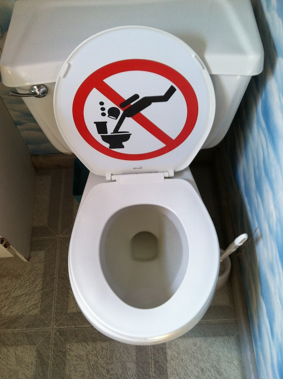 funny fridays a dive shop toilet-in-Tobermory-Canada